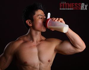 How Protein Builds Muscle and Prevents Muscle Breakdown While Dieting