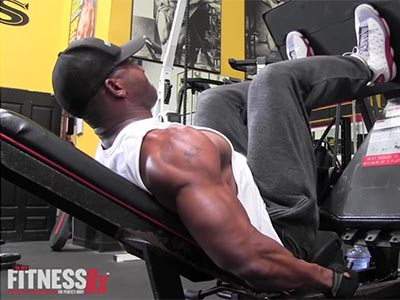 IFBB Xavisus Gayden's Shoulders and Legs Workout